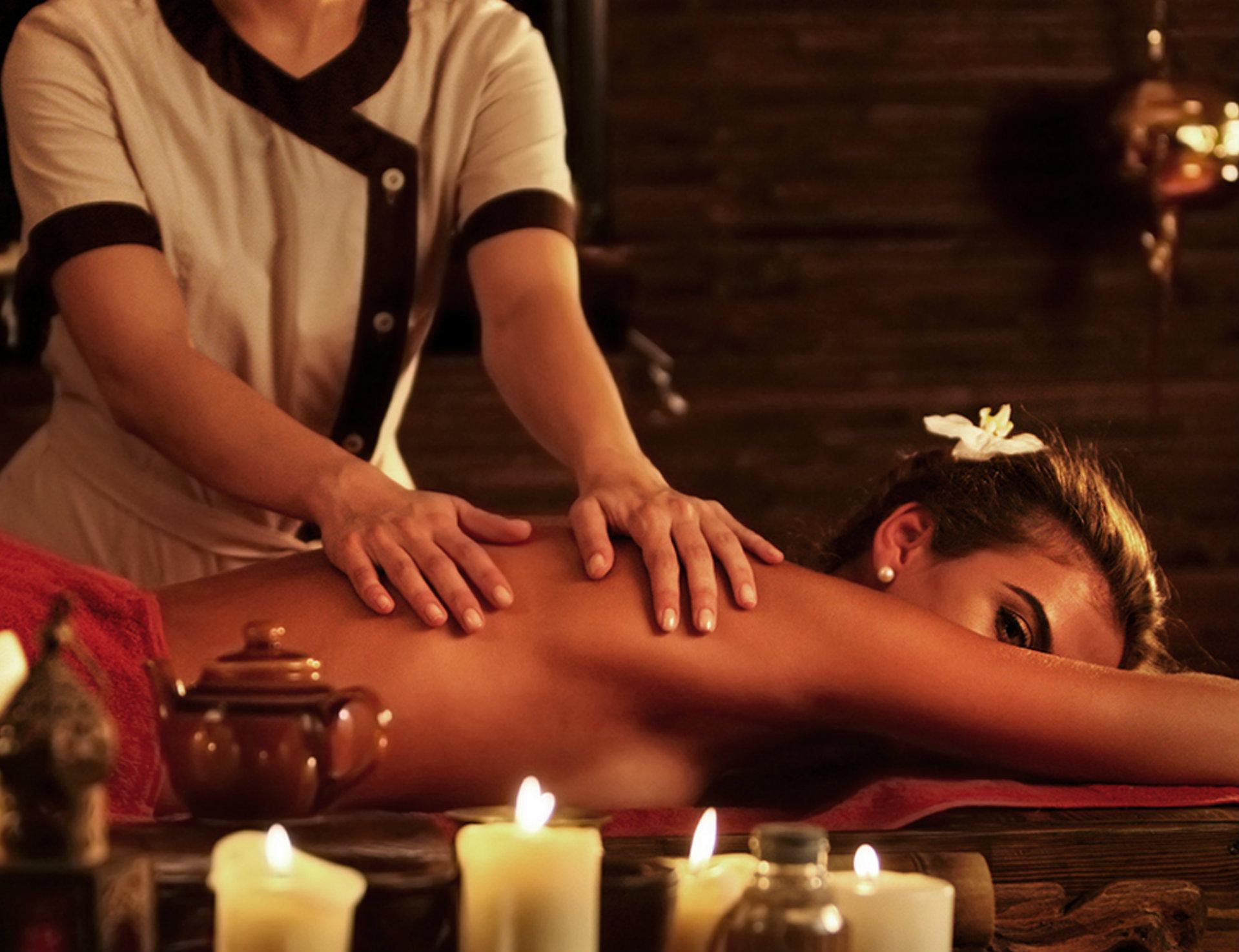 Massages aux huiles essentielles en duo