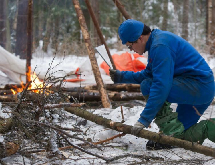 Camp de survie hivernal
