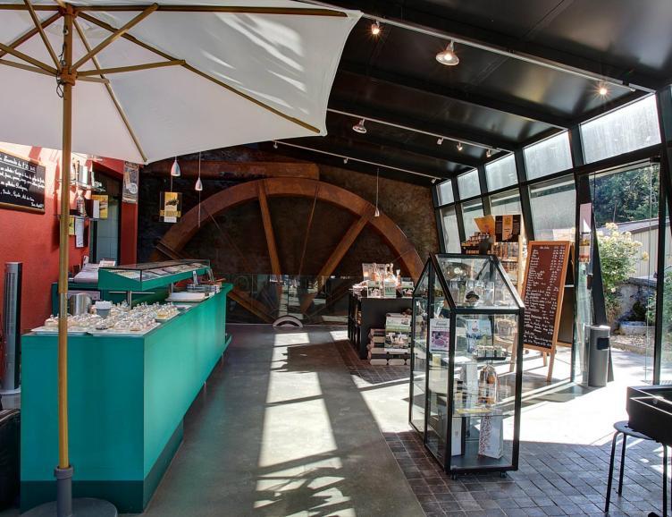 Visite de l'huilerie et du Moulin de Sévery
