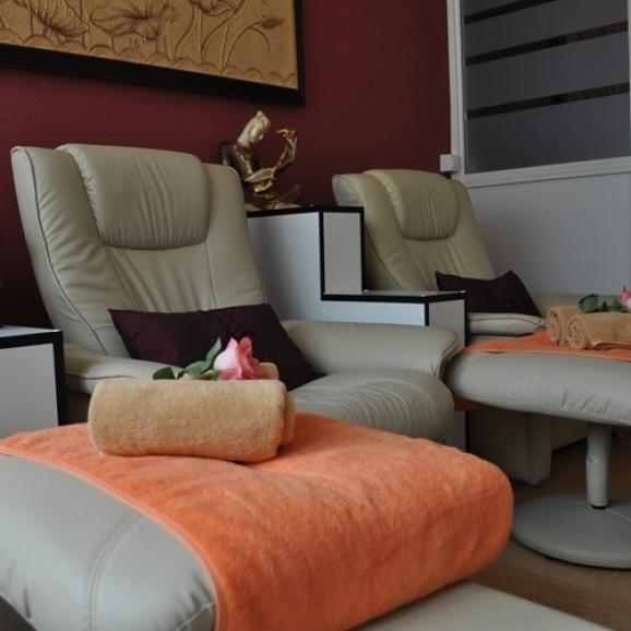 Massage relaxant des pieds et des jambes