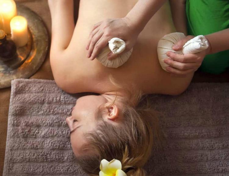 Soin ayurvedique raja et massage abhyanga