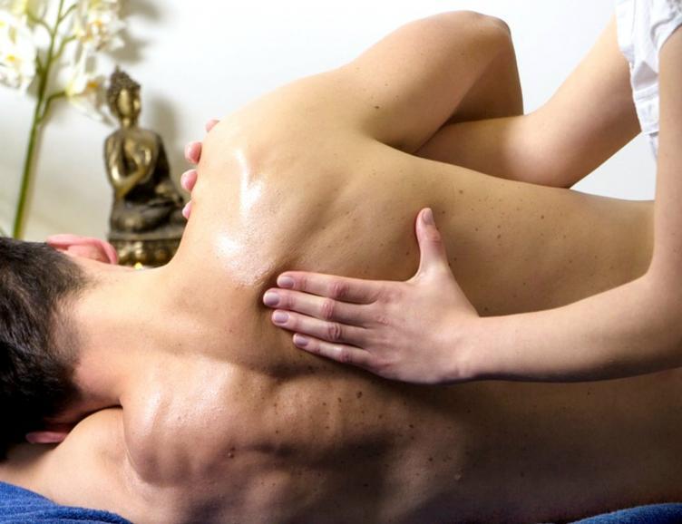 Gommage du dos et massage relaxant du dos