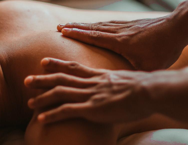 Massage du monde à choix