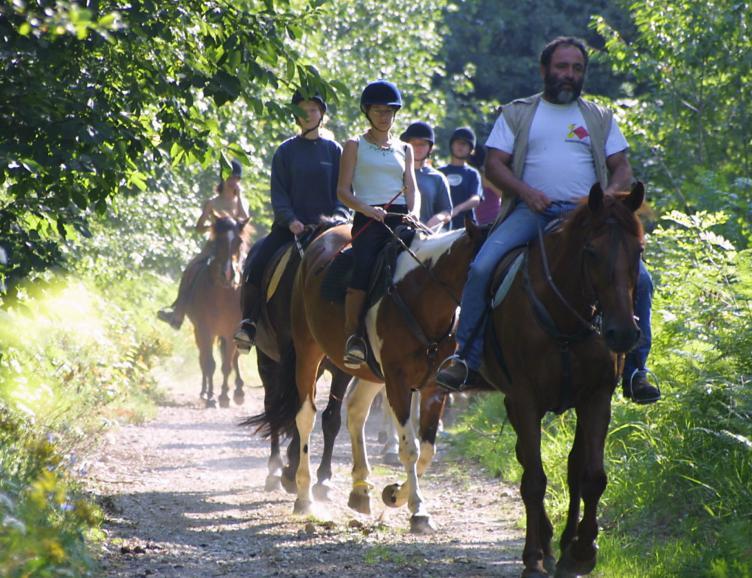Dormir sur la paille et randonnée à cheval